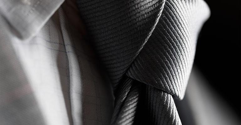 Krawatte zu Anzug für die Hochzeit