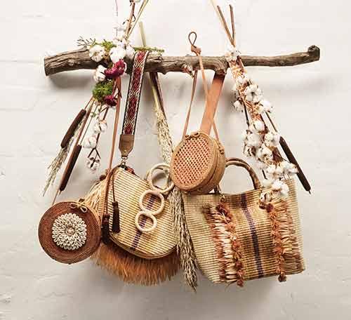 Taschen in Naturmaterialien