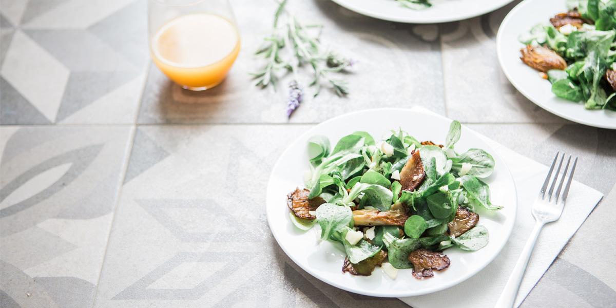 Women In Business Inisghts - Ein Teller mit Salat