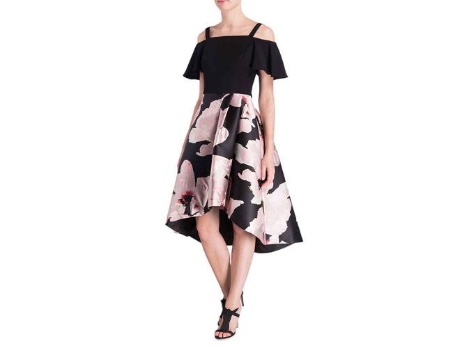 Weiblich und schön: Schulterfreies Kleid