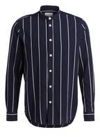 SAMSØE & SAMSØE Hemd Regular Fit mit Stehkragen, Farbe: DUNKELBLAU/ WEISS GESTREIFT (Bild 1)