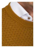 sandro Pullover in Strukturstrick mit Schurwoll-Anteil, Farbe: DUNKELGELB (Bild 1)