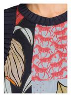 LUISA CERANO Pullunder im Materialmix, Farbe: DUNKELBLAU/ HELLBLAU/ HELLROT (Bild 1)