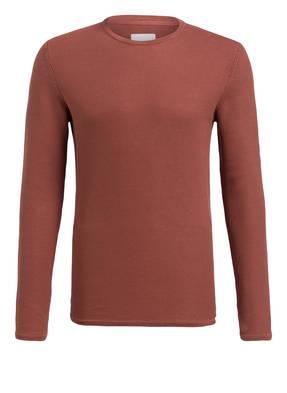 minimum Pullover