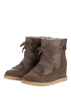 UGG Boots CLASSIC FEMME LACE-UP