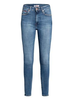 TOMMY JEANS 7/8-Skinny Jeans SYLVIA mit Schmucksteinbesatz