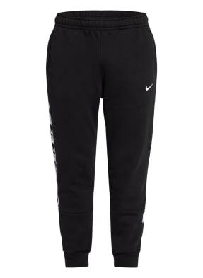 Nike Sweatpants SPORTSWEAR REPEAT mit Galonstreifen