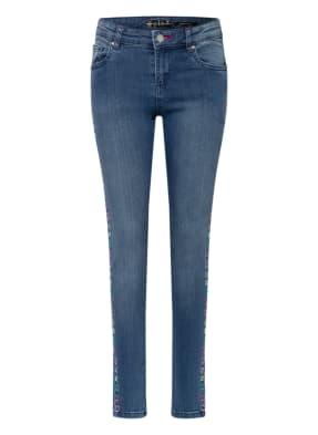 GUESS Skinny Jeans mit Stickereien