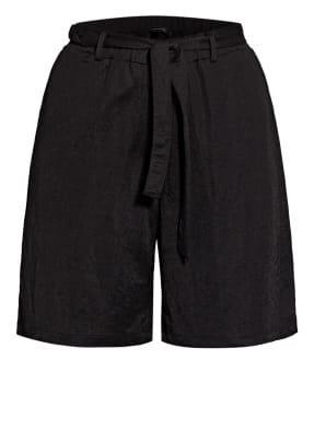 comma Shorts