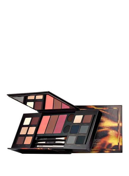 laura mercier MASTERCLASS COLOUR ESSENTIALS COLLECTION
