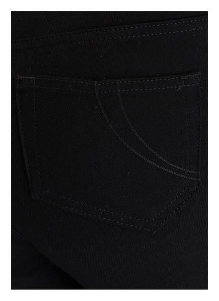 maje Cropped-Jeans PANAKO <br>           mit Fransensaum