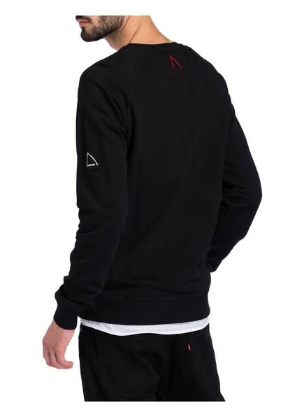 CHASIN' Sweatshirt CAPE
