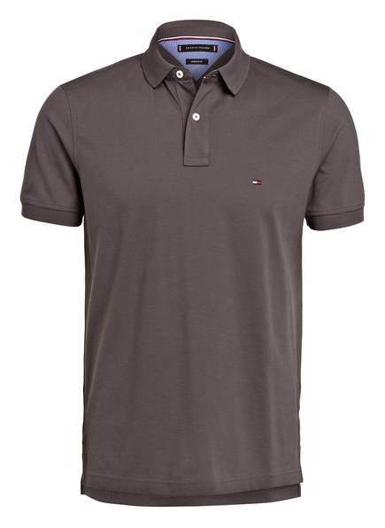 TOMMY HILFIGER Piqué-Poloshirt Regular Fit, Farbe: DUNKELGRAU (Bild 1)