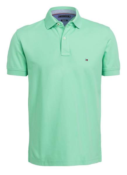 TOMMY HILFIGER Piqué-Poloshirt Regular Fit, Farbe: GRÜN (Bild 1)
