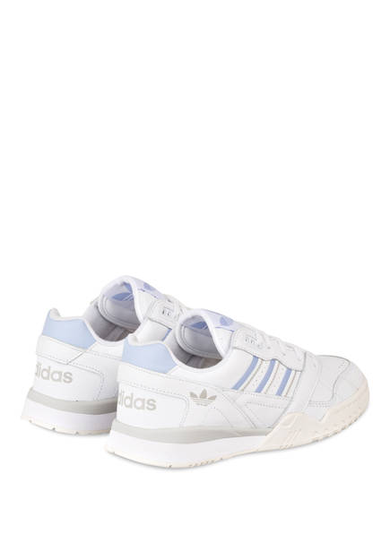 Sneaker A.R. TRAINER  von adidas Originals   WEISS/ HELLBLAU/ GRAU