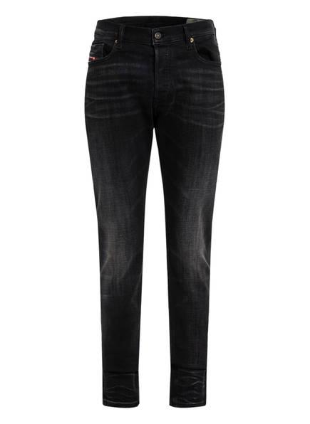 DIESEL Jeans TEPPHAR Slim Carrot Fit, Farbe: 02 BLACK (Bild 1)