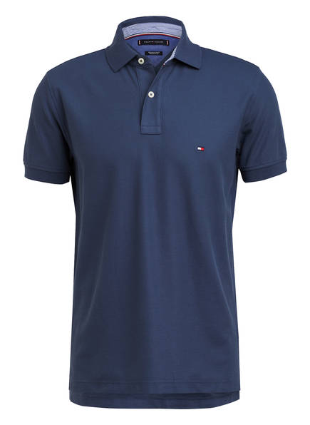 TOMMY HILFIGER Piqué-Poloshirt Regular Fit, Farbe: BLAU (Bild 1)