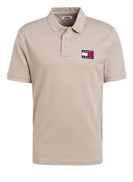 TOMMY JEANS Piqué-Poloshirt Regular Fit, Farbe: BEIGE (Bild 1)