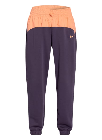Nike Hybrid-Sweatpants SPORTSWEAR ICON CLASH, Farbe: DUNKELLILA/ NUDE (Bild 1)