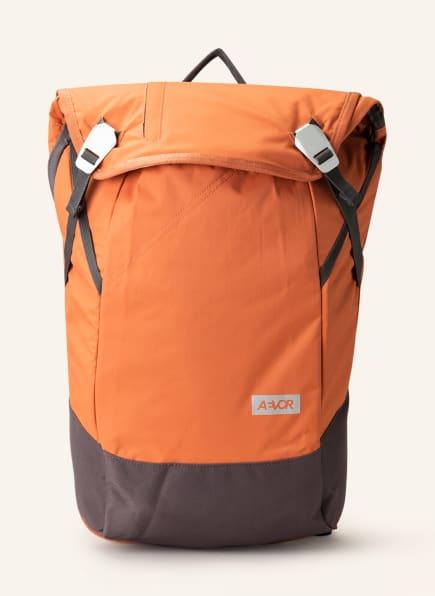 AEVOR Rucksack DAYPACK 18 l (erweiterbar auf 28 Liter) mit Laptop-Fach, Farbe: LACHS/ TAUPE (Bild 1)